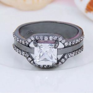 MEN'S WHITE SAPPHIRE & CZ BLACK GOLD RING